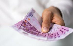 guenstige kredite fuer mitarbeiter im oeffentlichen dienst