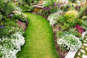Kredit für Gartengestaltung zinsgünstig & schnell